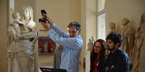 Scanner trois groupes sculptés de Vierge à l'Enfant du Musée du Louvre pour le projet Sculpture 3D │Acquisition 3D